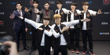 What does the League of Legends community say winning 3 - 0 victory of SKT before KingZone? 5