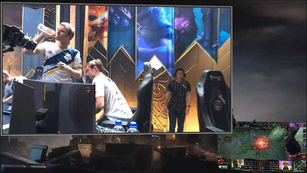 League of Legends: MSI 2019 - SKT failed 2 - 3 G2 bitterly in the day Faker learned that Crush had a lover 9