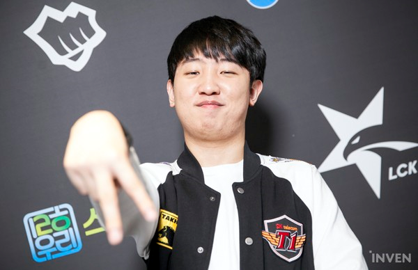 League of Legends: Transfer rumors 3 - SKT retains many stars, trying to negotiate with two stars of Griffin 4