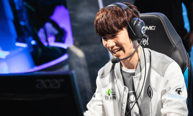 League of Legends: Transfer rumor 5 - SKT prepares a contract for TheShy for $ 10 million? 1