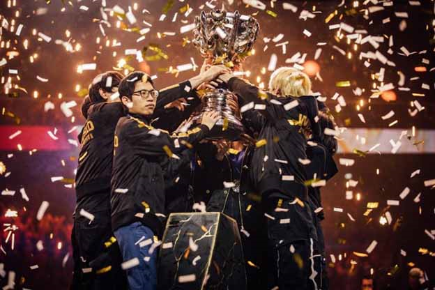 League of Legends: Doinb revealed a list of 5 champions who will own the Worlds 2019 skins 1