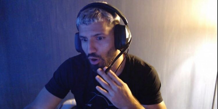 Man City Star, Sergio Aguero is stirring up the Summoner's Rift with Lux 1