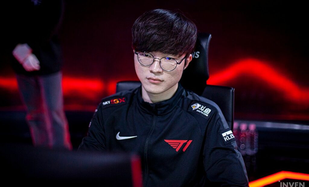 Faker get tired from doing endless advertising campaigns 4